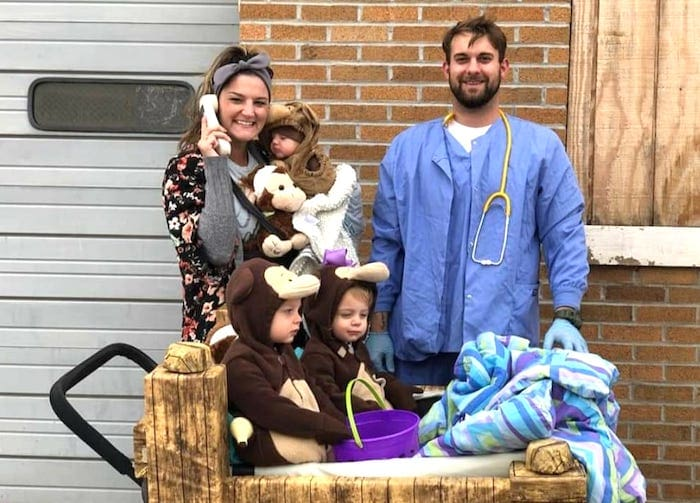 family dressed as 5 little monkeys jumping on the bed boy girl twin halloween costumes