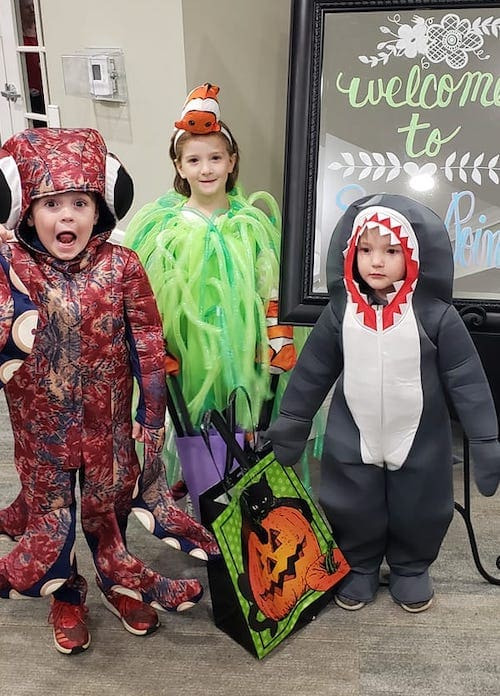 kids dressed as under the sea creatures boy girl twin halloween costumes