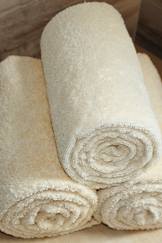 twins ultrasound 3 rolled up white towels