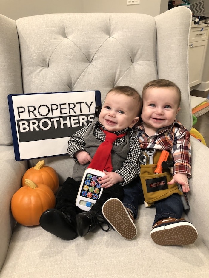 twin babies dressed as the property brothers twin boys halloween costumes