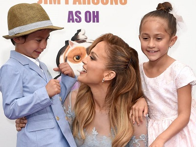 celebrities with twins Jennifer Lopez with her young twins
