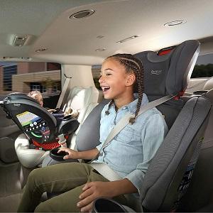 2 children in car seats