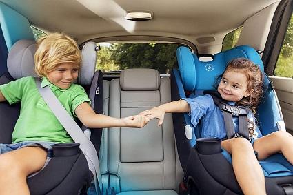 2 kids in convertible car seats