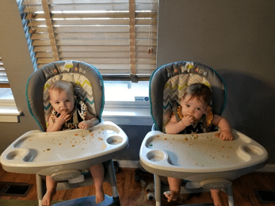 babies eating in high chairs to start solid food