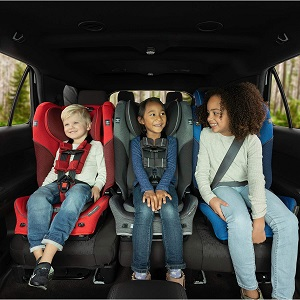 3 kids buckled in convertible car seats