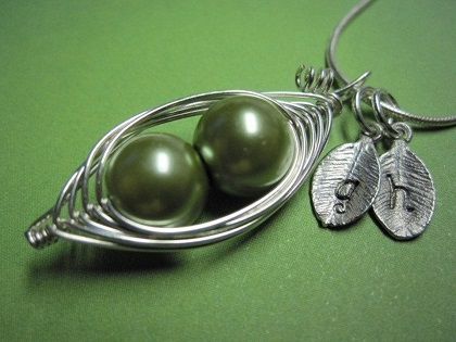 2 peas in a pod necklace