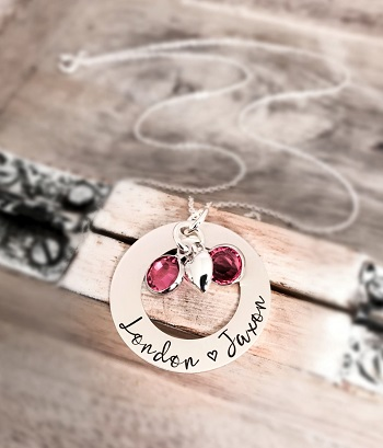 circle necklace with stones and heart