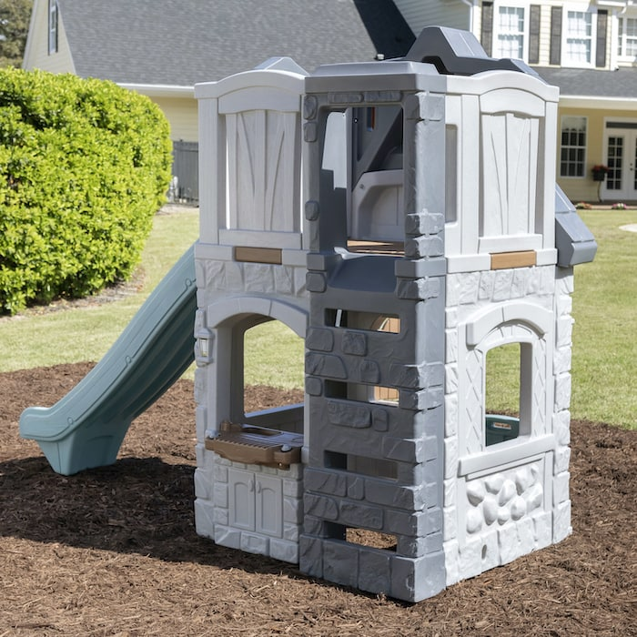 2-story playhouse by step2