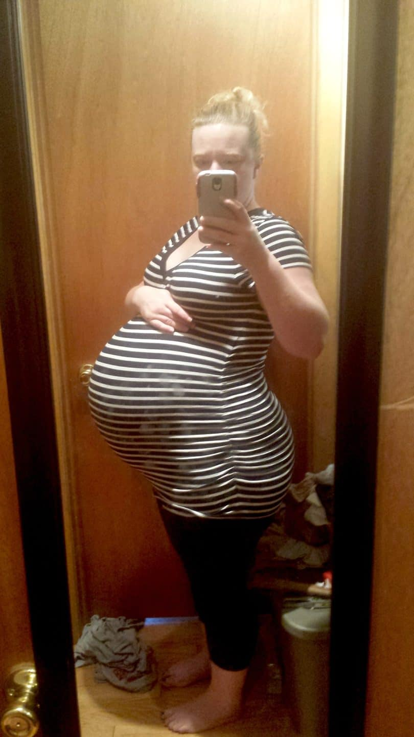 35 weeks pregnant with twins