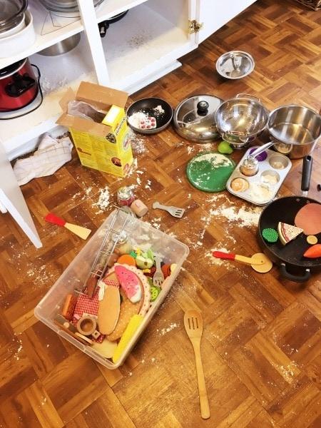 messy kitchen floor mindfulness