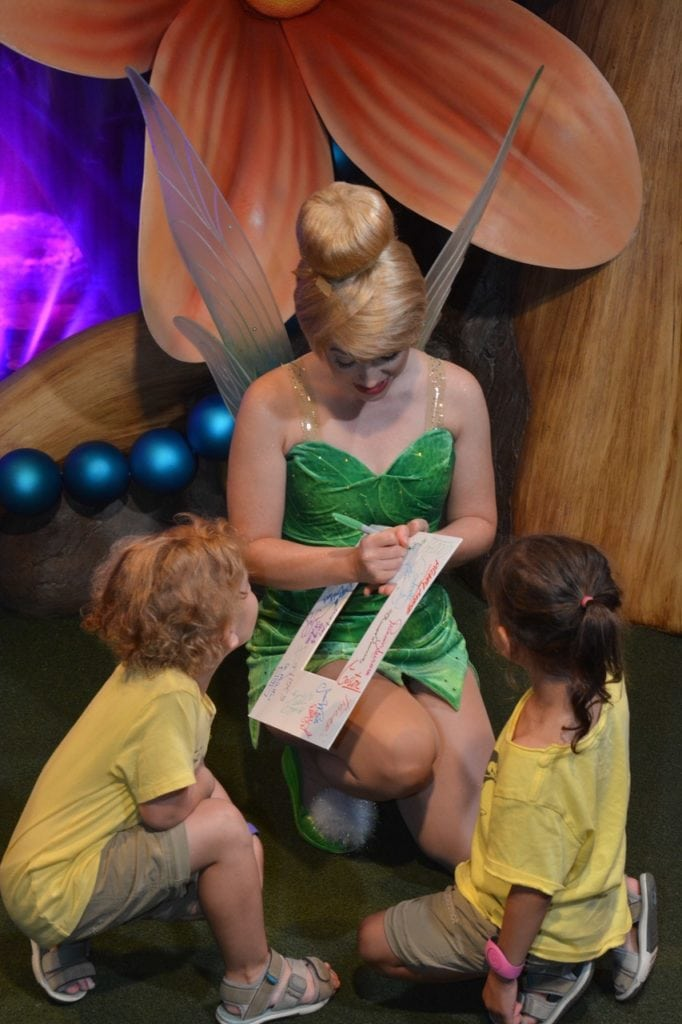 tinkerball signing autograph for kids disney world with twins