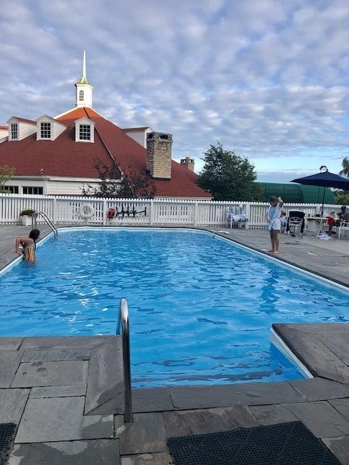 swimming pool mackinac island lodging