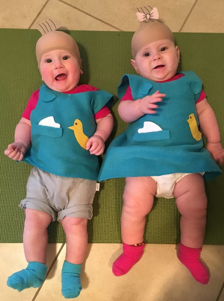 we had so many great entries for our halloween twin costumes contest that we just had to share with you a handful of our other favorites that didnt make