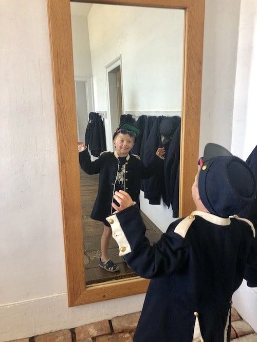 boy dressed as soldier mackinac island lodging