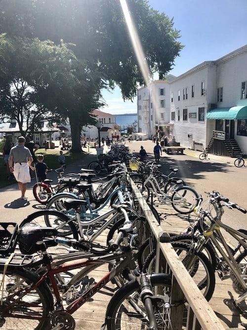 mackinac island lodging bicycles
