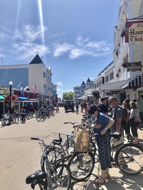 Main Street mackinac island lodging