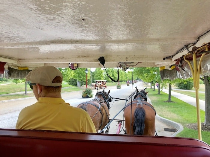 horse and buggy mackinac island lodging