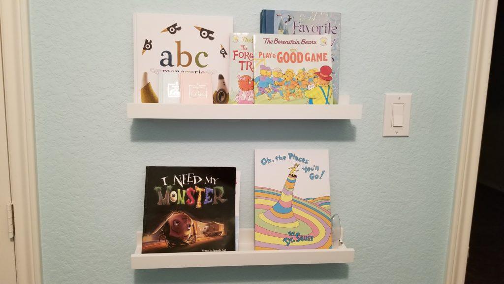 kids bookshelves organization tips