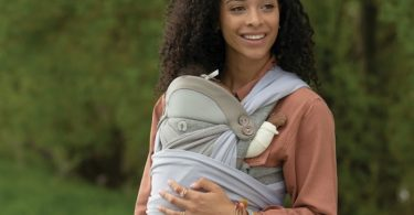 leave the house mom with baby carrier