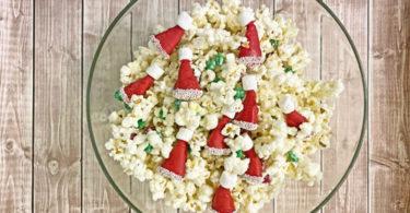 santa hat party mix recipe