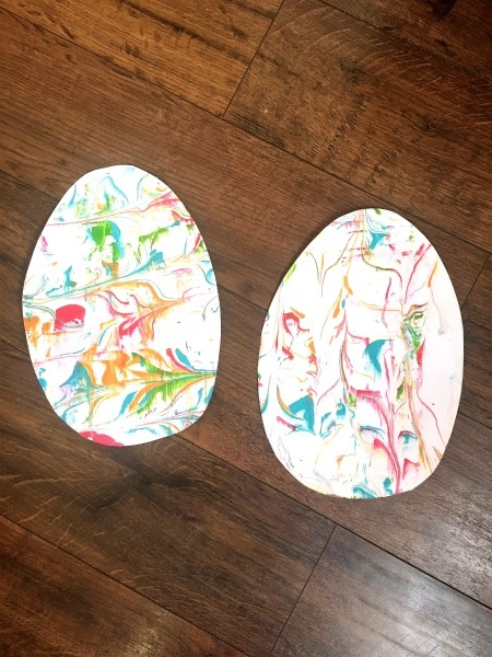 shaving cream eggs Easter DIY Decorations to Make with Kids