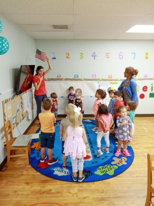 kids in preschool bilingual education