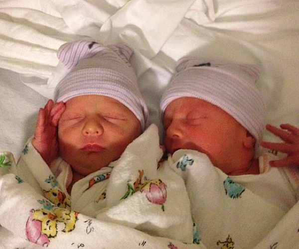 Twin Pregnancy Calendar: What To Do and When To Get Ready