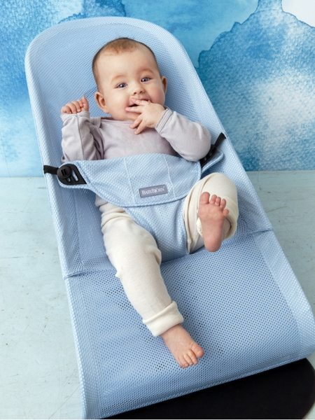 The babybjörn bouncer balance soft is an ergonomic baby bouncer with an extra long period of use it can be used from newborn up to 2 years olds
