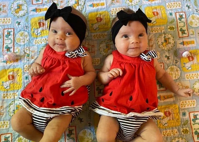 Twin Girl Names For 2020? Które imię będzie najlepsze?