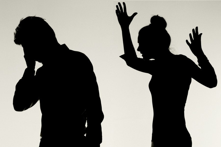 silhoutte of man and woman fighting marriage