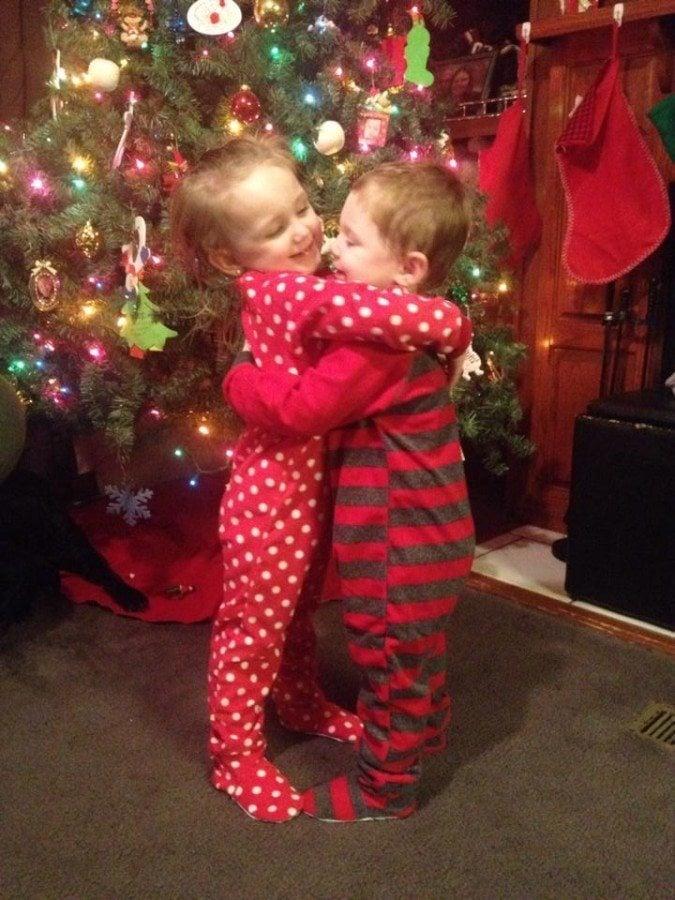 holidaychristmastwinstoddlershugtree