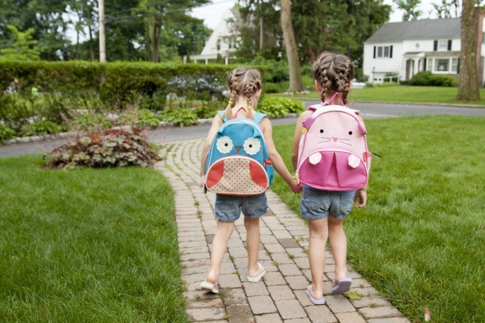 5 Tips for Twin Back to School Photos