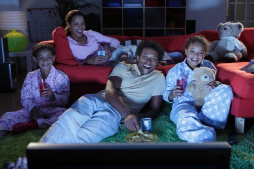 family watching movies oscar-winning family-friendly movies
