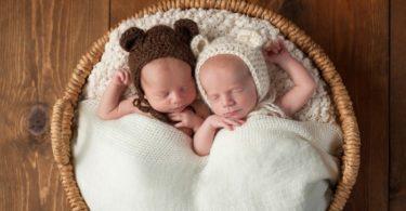 breatstfeeding my twins