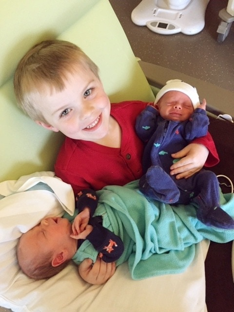 brother with twins time in the nicu