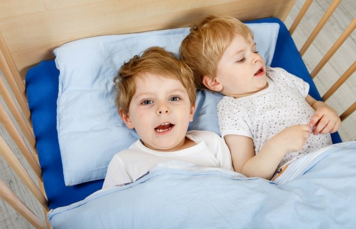 Sleeping Arrangements When Traveling With Toddler Twins Twiniversity