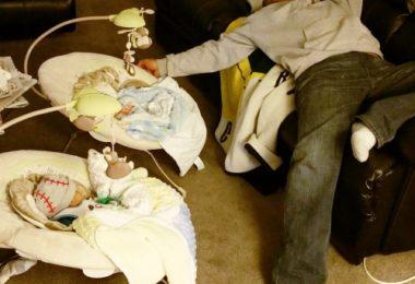 dad asleep with twins twin dads