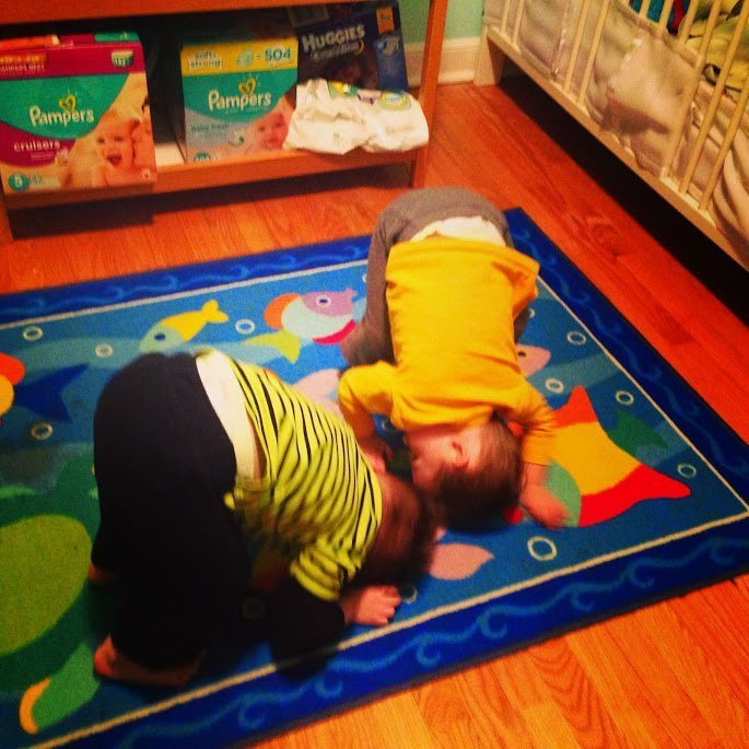 toddler twins doing headstand having twins totally rocks