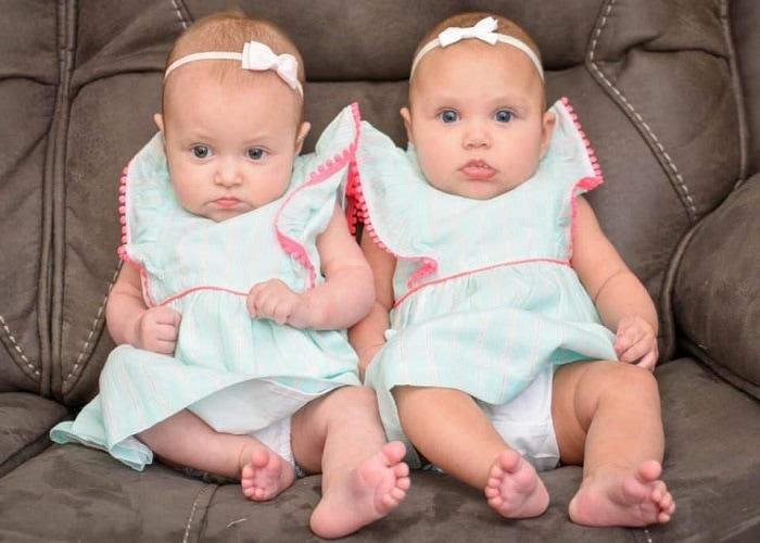 16 week old twins
